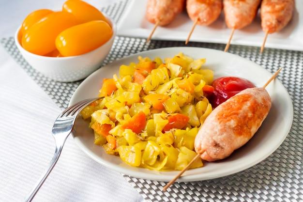 Ragoût de légumes au curcuma et cumin et brochette de dinde