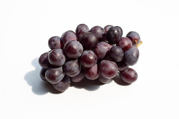 Raisins frais isolés