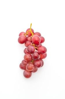 Raisins frais sur table blanche