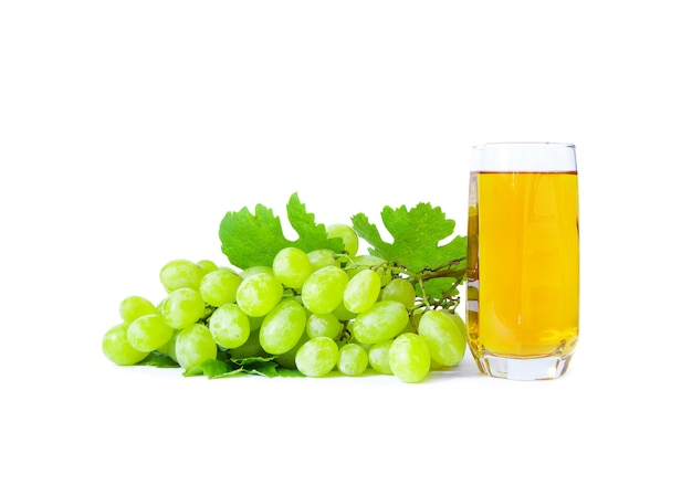 Raisins avec verre de jus de raisin
