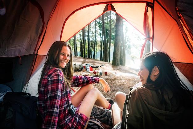 Randonnée camping randonnée voyage voyage trek concept