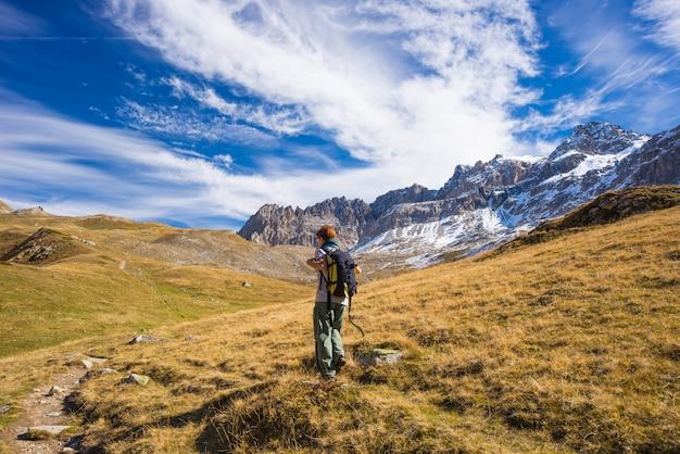 Randonnée dans les alpes, automne coloré
