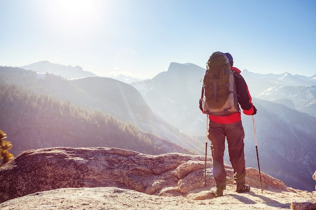 Randonnée dans les montagnes de yosemite