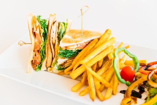 Rapide en sandwich poulet frais du club