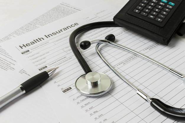 Rapport médical avec équipement médical