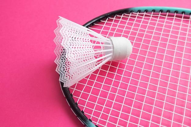 Raquette de badminton et volant