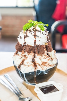 Raser avec des brownies au chocolat