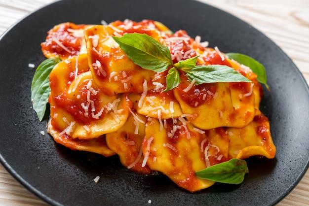 Raviolis à la sauce tomate et basilic