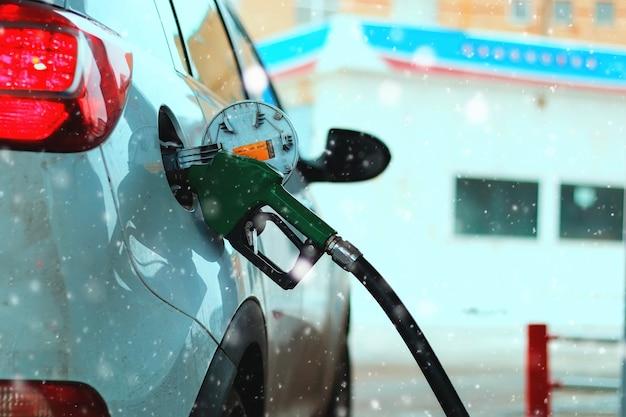 Ravitaillement de voiture en essence