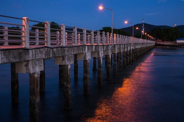Rawai landing pier - point de vue du pont