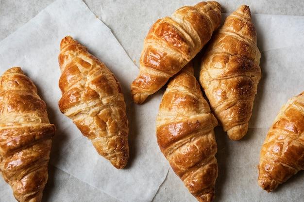 Recette de photographie culinaire de croissants faits maison