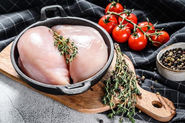 Recette pour cuire un filet de poitrine de poulet dans une poêle