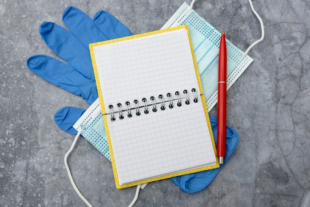 Recherche de médicaments préventifs, prévention des infections virales, collecte d'informations médicales, rédaction de notes importantes, planification des procédures médicales, prévention des épidémies
