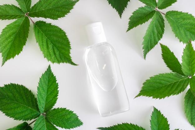 Récipient transparent pour bouteille d'eau micellaire liquide