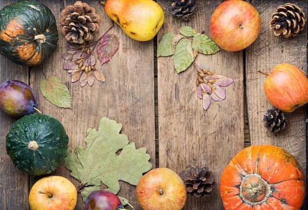Récolte d'automne nature morte fond vue de dessus