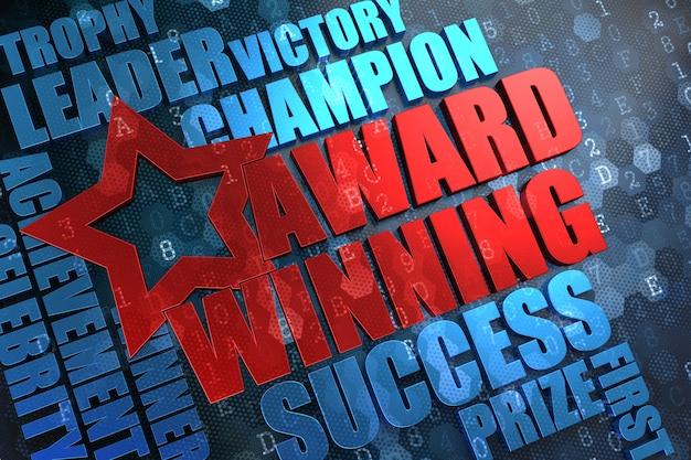 Récompensé - mot principal rouge avec wordcloud bleu sur fond numérique.