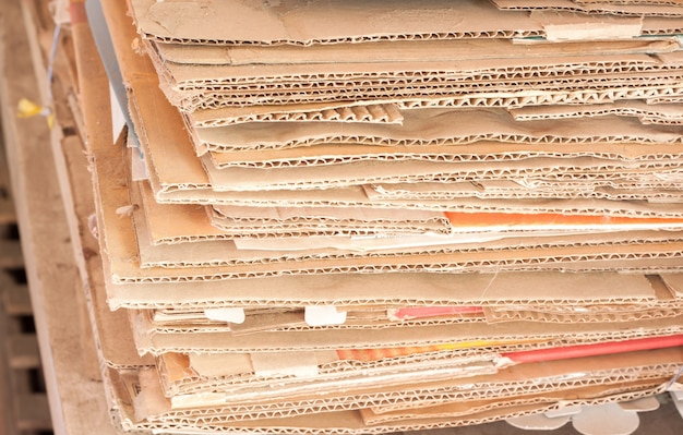 Recycler les papiers des boîtes