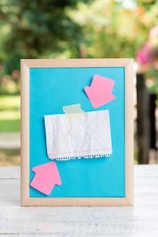 Rédaction de notes importantes nouvelles idées, création de documents écrits, rédaction d'idées de lettre, rédaction de lettres, liste de documents texte, rédaction d'articles manuscrits