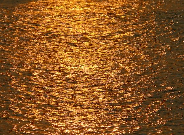 Reflet de la rivière