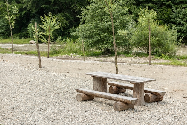 Refuge en bois dans la vallée de vaser, bucovina, roumanie