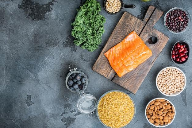 Régime alimentaire sain. planification des repas, mise à plat avec un espace pour le texte, sur fond gris