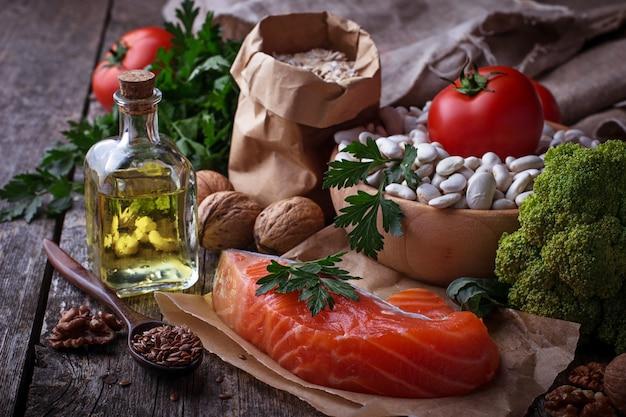 Régime de cholestérol, nourriture saine pour le coeur. mise au point sélective