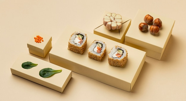 Régime flexitarien avec arrangement de sushis à angle élevé