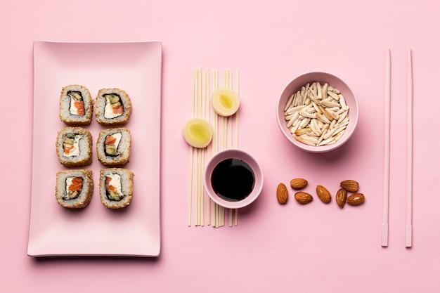 Régime flexitarien plat avec sushi