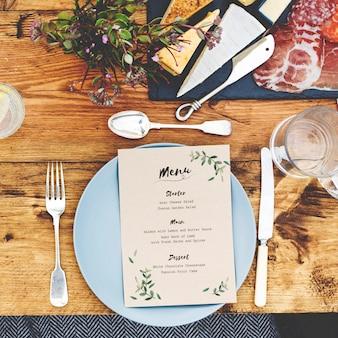 Réglage de la table à manger concept alimentaire
