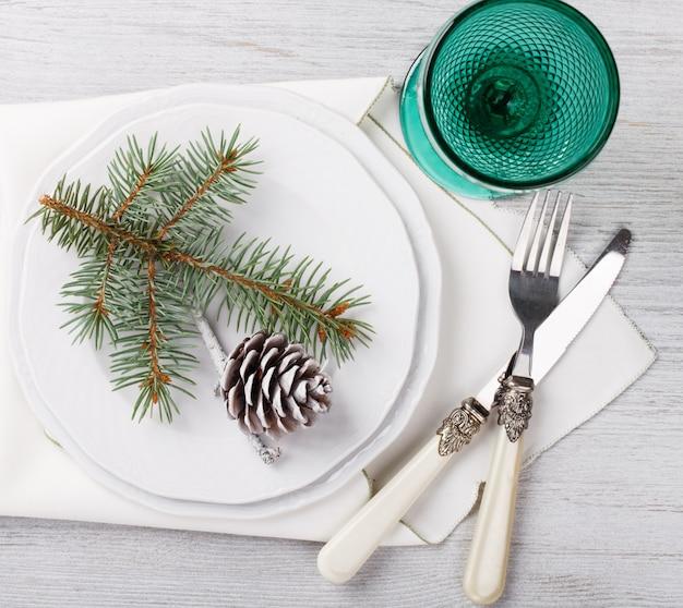 Réglage de table de noël et du nouvel an