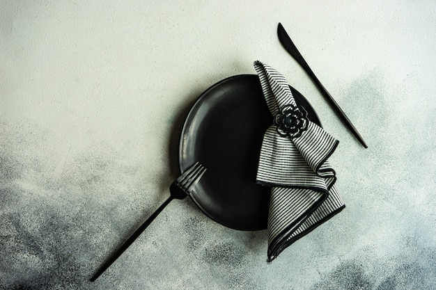 Réglage de la table noir et blanc minimaliste