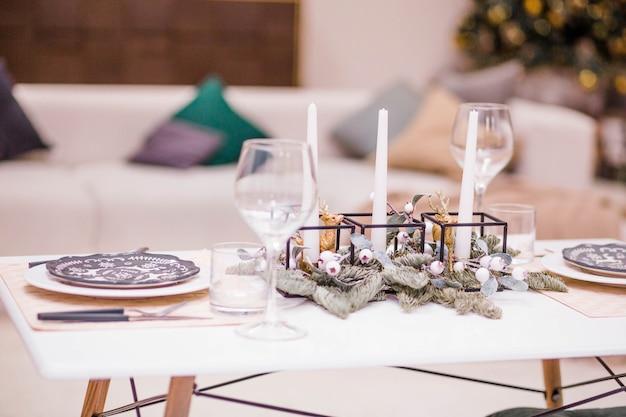 Réglage de la table pour la célébration