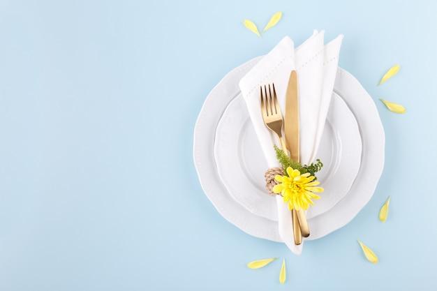 Réglage de table de printemps ou de pâques