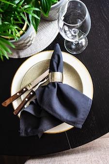 Réglage de la table rustique