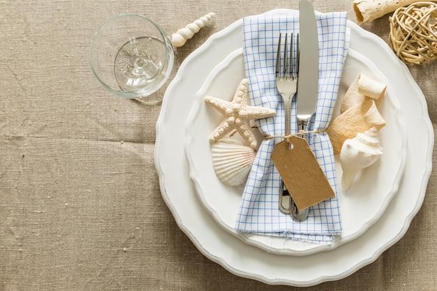Réglage de la table de style marine d'été