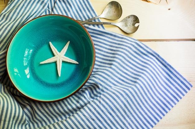 Réglage de la table de style rustique