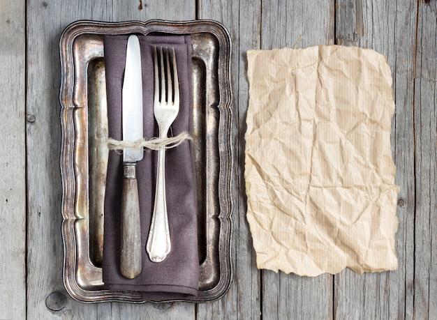 Réglage de la table vintage