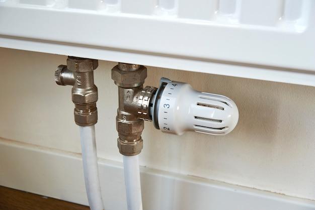 Régulateur de température, radiateur thermostatique