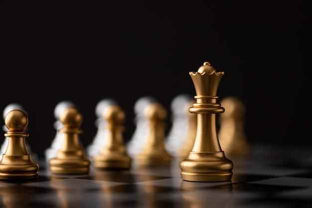 La reine d'or est le leader