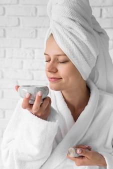 Remède odorant femme coup moyen
