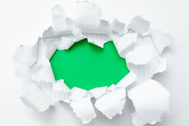 Remplacement de l'ancienne conception de papier peint, création d'une nouvelle disposition de motifs muraux, percée académique, affichage des progrès, exposé du développement, présentation de différents résultats