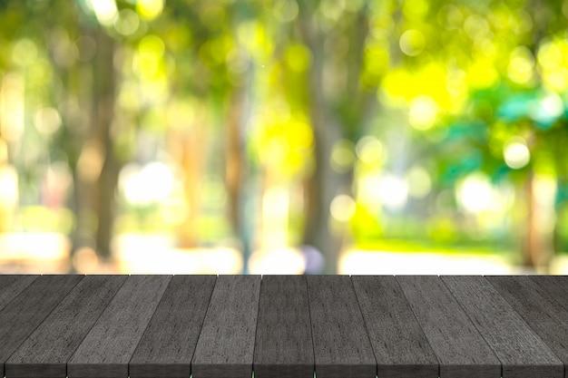 Rendu 3d, étagères en bois noir ou table en bois noir avec fond de vue nature.