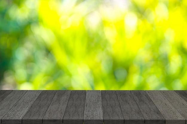 Rendu 3d, étagères en bois noir ou table en bois noir avec fond de vue nature