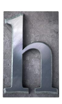 Rendu 3d d'une lettre h en impression dactylographiée métallique