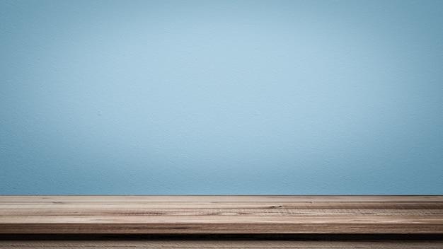 Rendu 3d. videz les étagères supérieures ou le bois de table sur le mur en béton. pour mettre le produit et quelque chose.