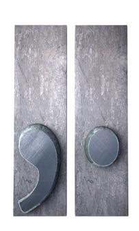 Rendu 3d d'une virgule et d'un symbole d'époque en impression dactylographiée métallique