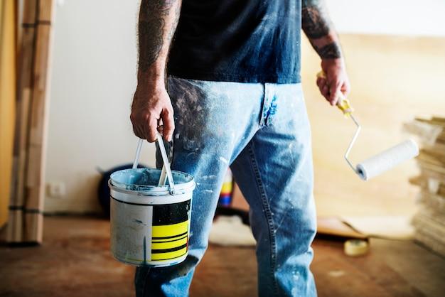 Rénovation intérieure de la salle peinture d'intérieur