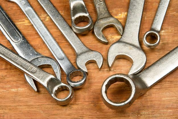 Rénovation d'outils assortis en bois grunge