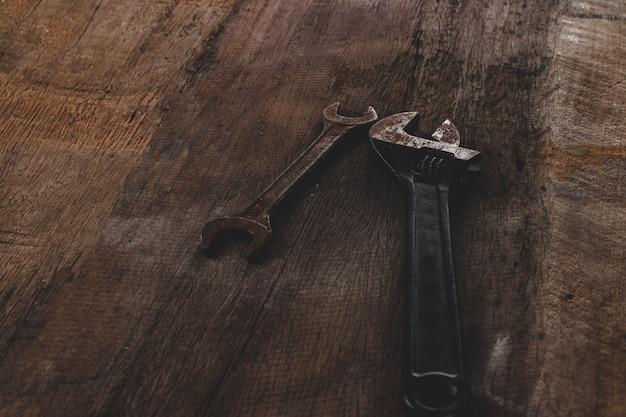 Rénovation d'outils sur bois grunge