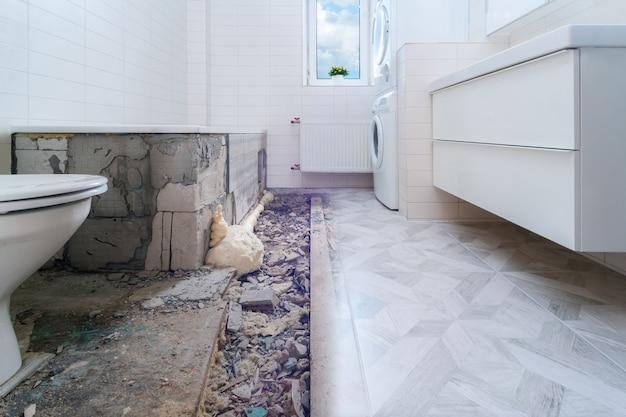 Rénovation salle de bain avant et après.